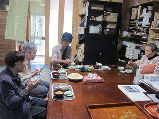 お昼ご飯_s.jpg